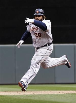 Fielder's HR in 8th lifts Tigers over Twins 2-1