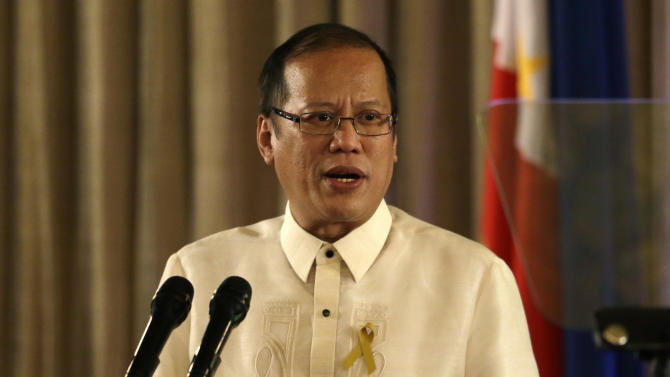 Philippine President Benigno Aquino III addresses officials and Muslim rebels during tentative peace-signing ceremony between the government and the largest Muslim rebel group at Malacanang Palace in Manila, Philippines, Monday Oct. 15, 2012. Muslim rebels and the Philippine government overcame decades of bitter hostilities and took their first tentative step toward ending one of Asia's longest-running insurgencies with the ceremonial signing of a preliminary peace pact Monday that both sides said presented both a hope and a challenge. (AP Photo/Bullit Marquez)