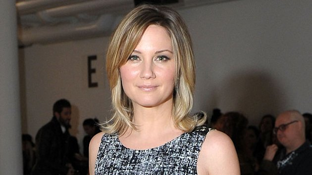 Jennifer Nettles Gives Birth