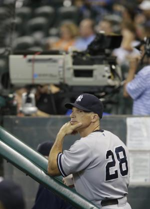 AP Source: Yankees offer new deal to Joe Girardi