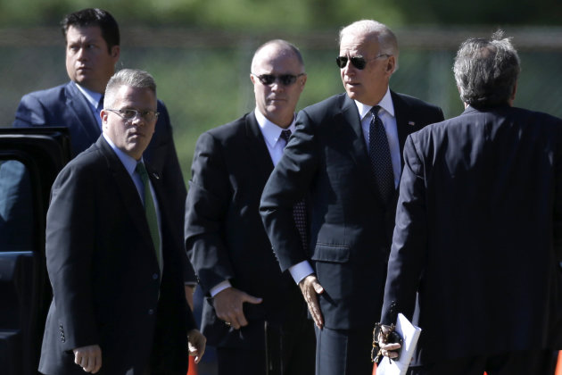 Vice President Joe Biden, second from right, arrives at Har Zion Temple in in Penn Valley, Pa., Tuesday, Oct. 16, 2012, to attend funeral services for former Pennsylvania Sen. Arlen Specter.  Family m