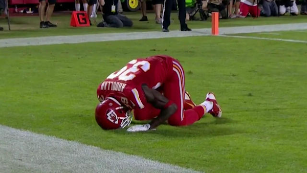 Chiefs player Husain Abdullah gets penalized after kneeling in Muslim prayer