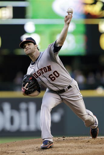 Iwakuma pitches Mariners to 3-2 win over Astros
