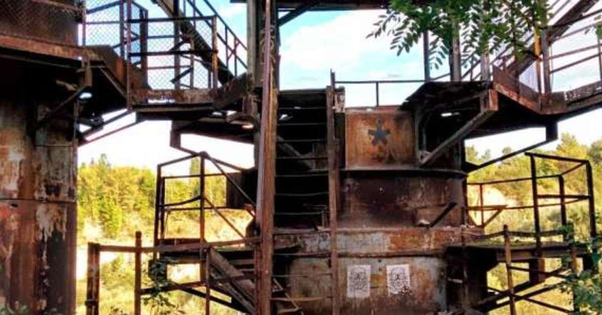 Check Out These Awesome, Abandoned Movie Sets