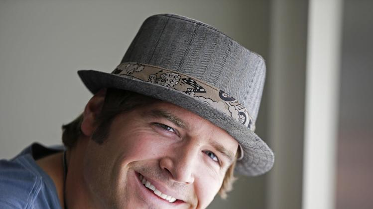 """FILE - This Aug. 13, 2012 file photo shows country music singer Jerrod Niemann in Nashville, Tenn. Niemann's """"Free The Music,"""" released on Oct. 2, 2012, is another re-imagining of what the modern country music album can be. (AP Photo/Mark Humphrey, File)"""