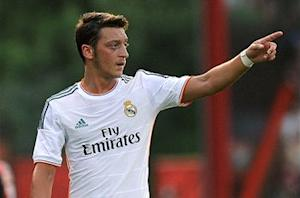 Real Madrid denies accusing Ozil of unprofessional behavior