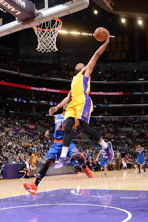 Lakers drop 51 in 3rd quarter, blast Knicks 127-96