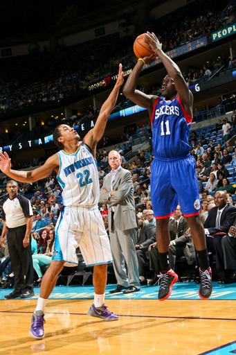 Sixers hold Hornets to franchise low in 77-62 win