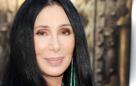 Cher : Cher : Lady GaGa, Timbaland et Pink sur son nouvel album