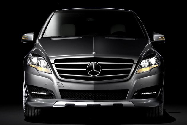 Mercedes-Benz launches R-Class at Rs 58.9 lakhs‎