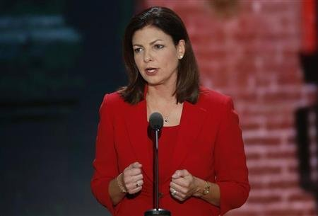 U.S. Senator Kelly Ayotte (R-NH) addresses the second session of the Republican National Convention in Tampa, Florida August 28, 2012. REUTERS/Mike Segar