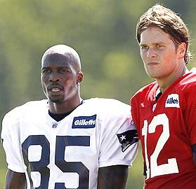 Haynesworth, Ochocinco rejuvenated with Pats