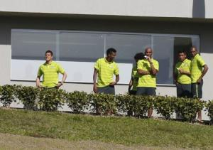 Brazil's players Julio Cesar, Jo, Maicon, Paulinho and Fernandinho look on before a training session in Teresopolis