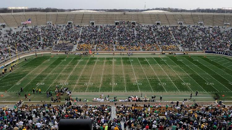 Notre Dame to install artificial turf at stadium