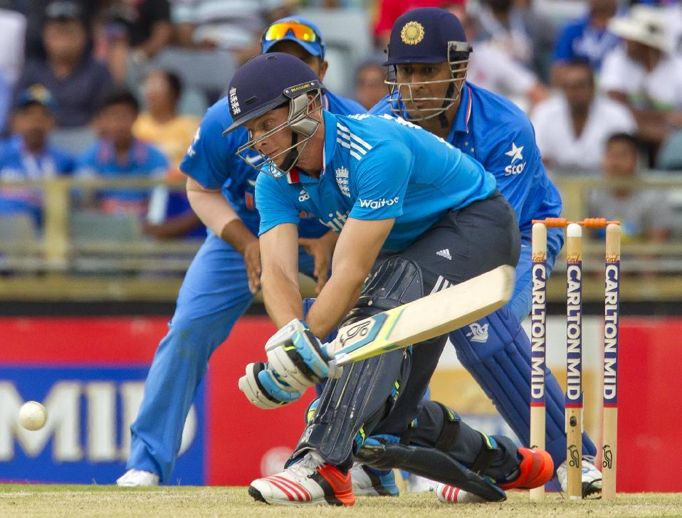 England beat India by three wickets, reach tri-series final