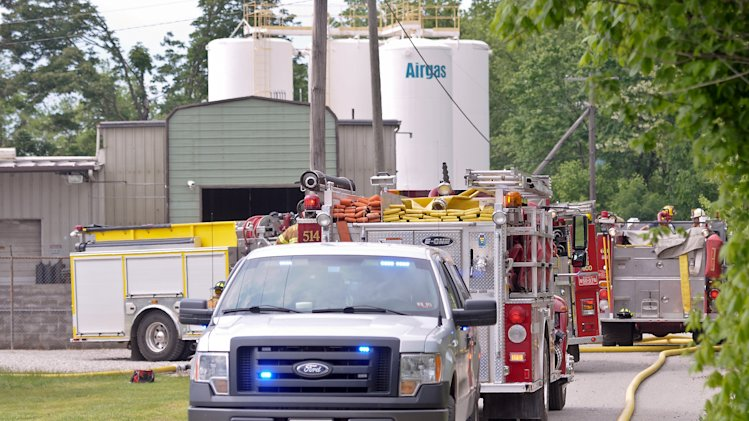 hurt in explosions, fire at W.Va. gas plant - Yahoo News