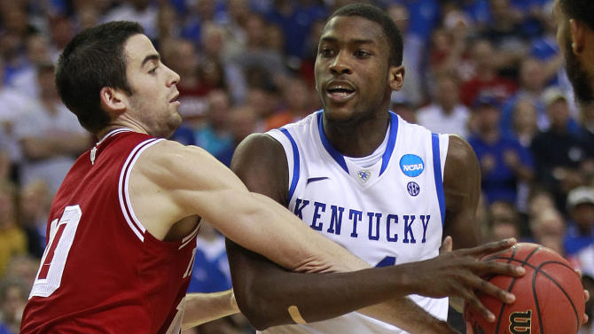 Indiana's Will Sheehey (10) works against Kentucky's Michael Kidd-Gilchrist, (14) during the second half of an NCAA tournament South Regional semifinal college basketball game Friday, March 23, 2012, in Atlanta. (AP Photo/John Bazemore)