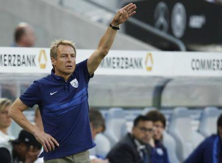 Klinsmann opts for experience for U.S.-Mexico showdown