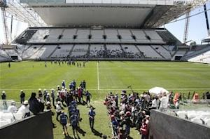 Worker seriously injured in Arena Corinthians fall