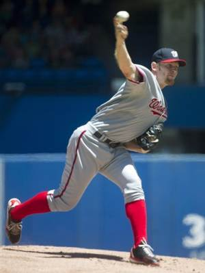 Strasburg wins fifth straight, Nats beat Blue Jays