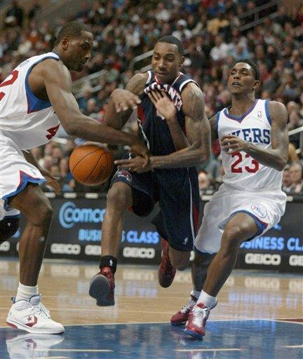 Iguodala rallies 76ers in 3rd for win over Hawks