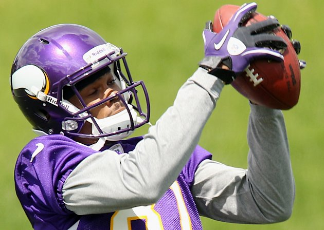 FILE - This May 30, 2012 file photo shows Minnesota Vikings wide receiver Jerome Simpson during practice in Eden Prairie, Minn. The NFL has suspended Simpson for the first three games of the 2012 season for violating the league&#39;s substance abuse policy. Simpson also was fined one game check. (AP Photo/Genevieve Ross, File)