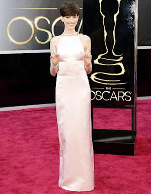 "Anne Hathaway's Oscars Red Carpet Dress Inspires ""Nipple"" Twitter"