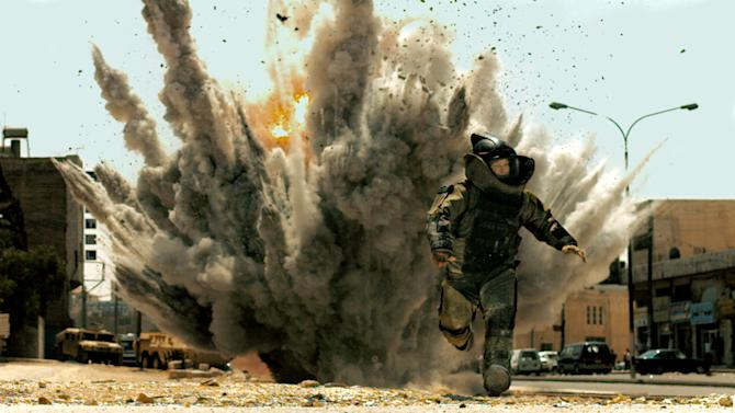 "FILE - In this film publicity file image released by Summit Entertainment, Jeremy Renner is shown in a scene from, ""The Hurt Locker.""  A federal judge has dismissed a case filed by an Iraq war veteran who claimed ""The Hurt Locker"" was based on his experiences as a bomb disposal expert. (AP Photo/Summit Entertainment)"