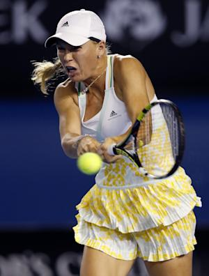Wozniacki advances under the Rod Laver Arena roof