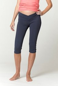 Fit & Fabulous maternity capri training pants