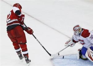 Hurricanes beat Canadiens 2-1 in shootout