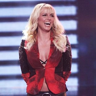 Britney Spears le regala una pistola a su hijo pequeo!