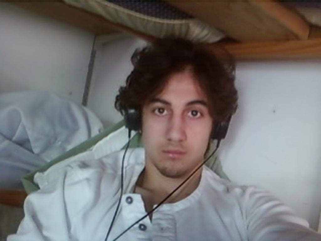 Boston bomber emotional as aunt breaks down on stand