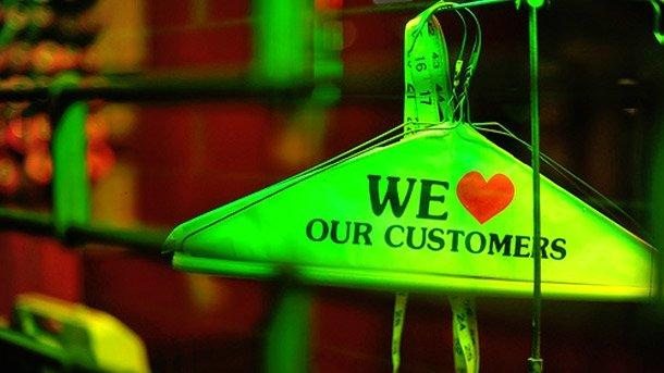 Why Stellar Customer Service Is Key to Building Your Online Brand