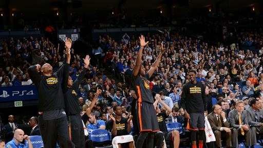 Curry shoots Warriors to 102-93 victory over Bucks