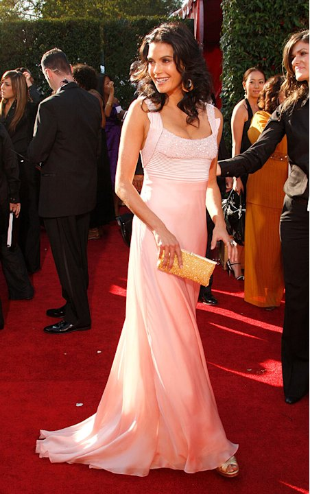 Teri Hatcher arrives at the 59th Annual Primetime Emmy Awards at the Shrine Auditorium on September 16, 2007 in Los Angeles, California.
