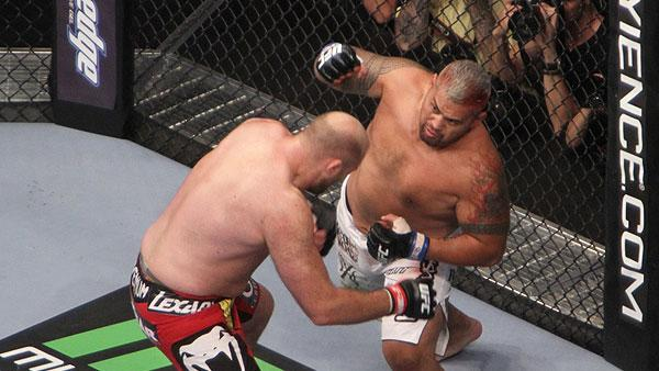 UFC Making Progress on Mark Hunt Travel Issues, Confident He'll Be in the U.S. This Weekend