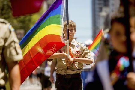 Boy Scouts president says ban on gay leaders needs to end