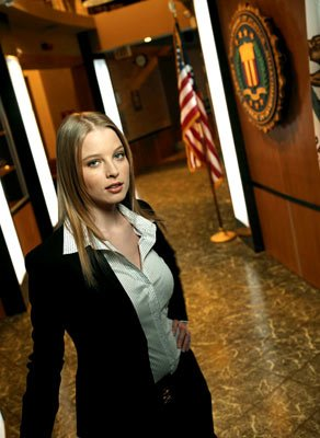 Rachel Nichols as Agent Rebecca Locke