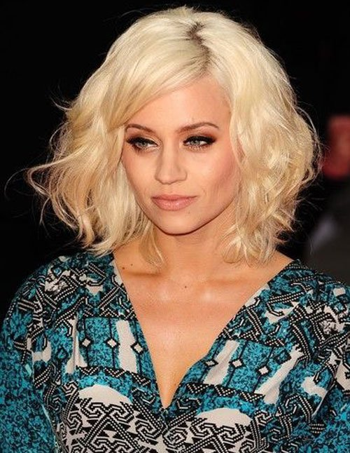 Songstress Kimberly Wyatt Shows Us What Is In Her Makeup Bag