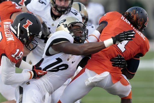 Purdue holds on for 20-17 victory over Illinois