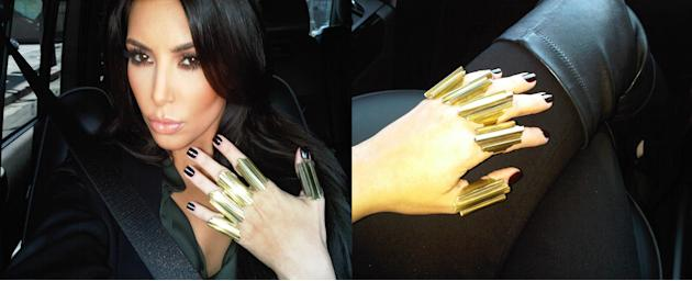 Kim Kardashians knuckle rings