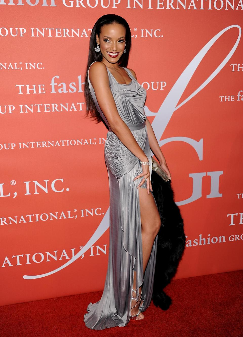 "Model Selita Ebanks attends the 29th Annual ""Night Of Stars"" presented by The Fashion Group International at Cipriani Wall Street on Thursday Oct. 25, 2012 in New York. (Photo by Evan Agostini/Invision/AP)"