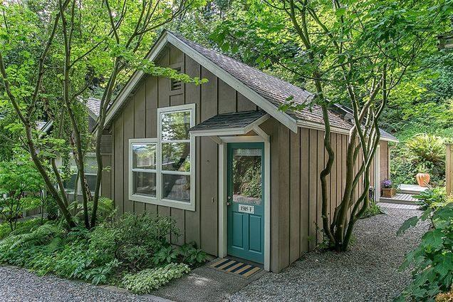 Tiny Homes: Keep Making History With This $380K Tiny Denny Blaine Cottage
