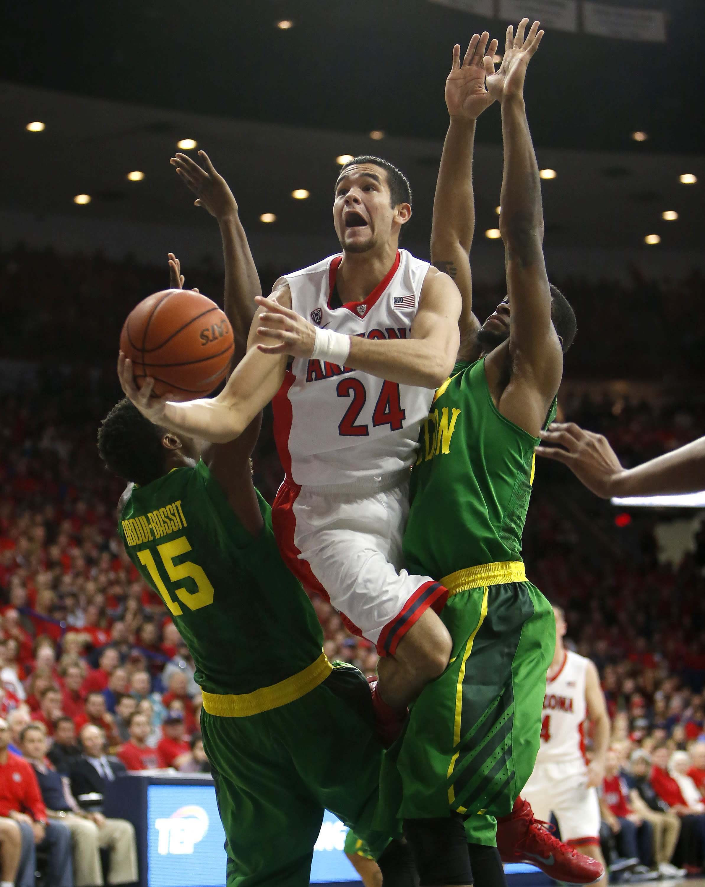 No. 6 Wildcats race away from Ducks early in 90-56 rout