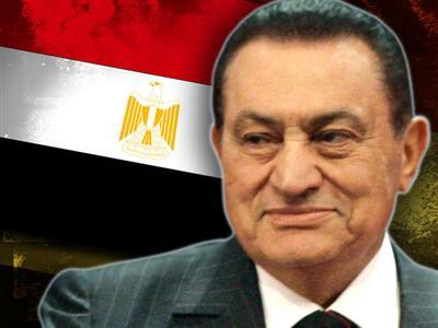 Raw: Yelling in Egypt Court, Mubarak Wheeled Out