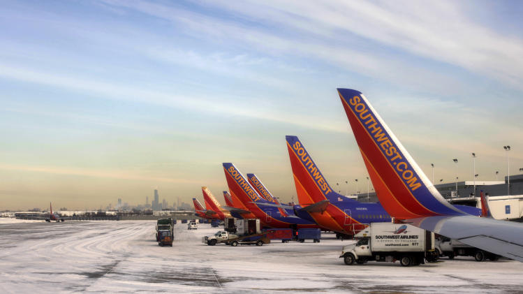 Southwest's 4Q profit rises on lower fuel spending