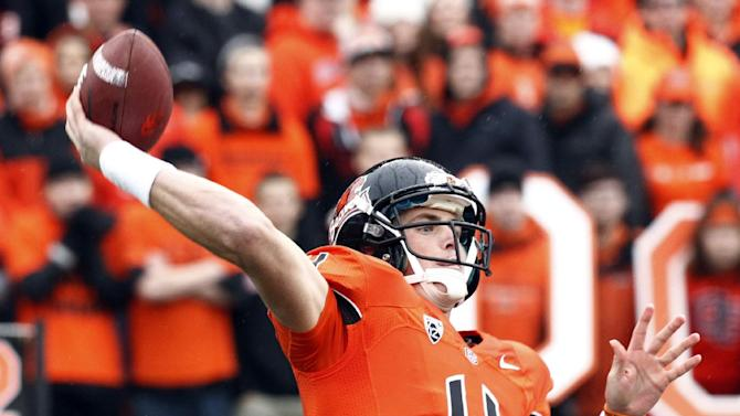 Oregon State quarterback Sean Mannion throws during the first half of an NCAA college football game against Oregon in Corvallis, Ore., Saturday, Nov. 24, 2012.(AP Photo/Don Ryan)