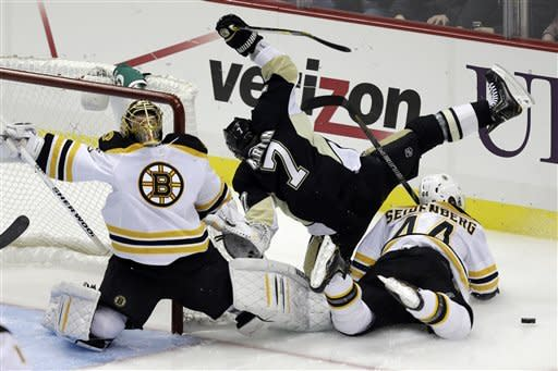 Sutter keys rally, Penguins top Bruins 3-2