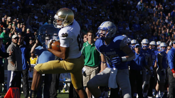 Rees leads Notre Dame to 45-10 win over Air Force